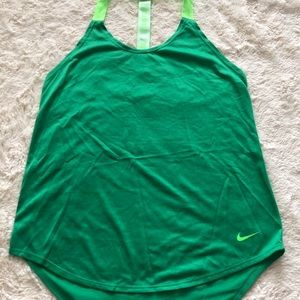 Nike work our top